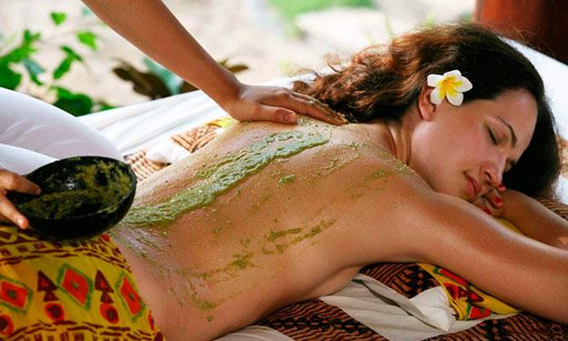Massagem bizarra com cactus